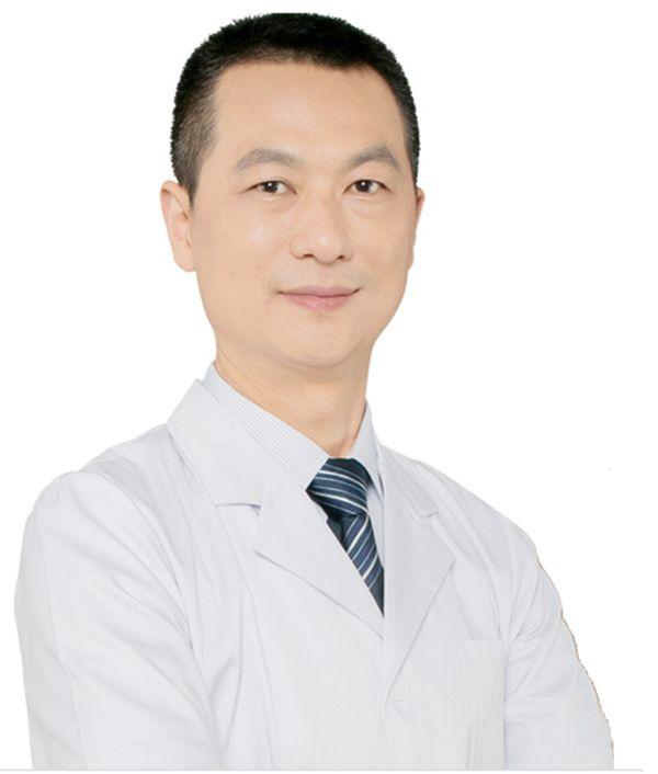 美莱整形医院专家栗勇