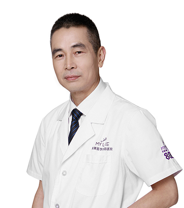 美莱自体脂肪丰胸整形专家吴江山