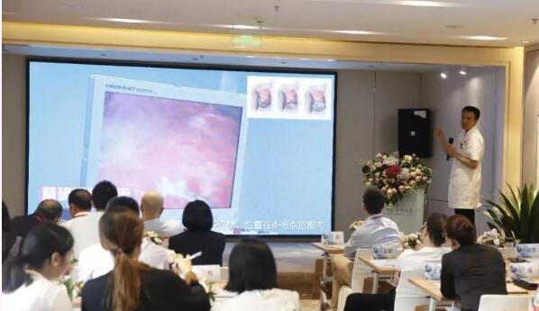 赵敬国教授为医师们讲解胸部整形知识