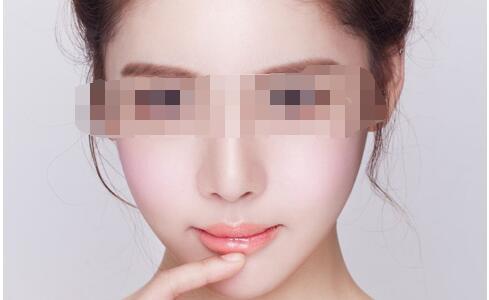 成都做面部抽脂有哪些优势点呢