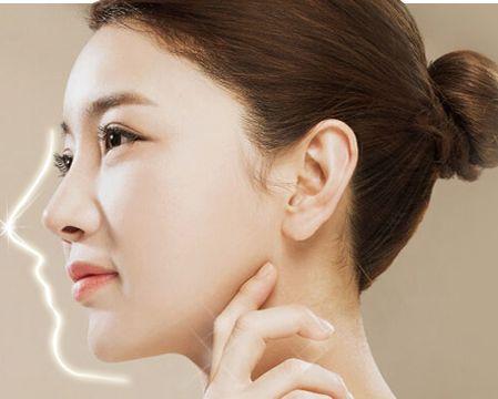刚满18岁的女生能去做玻尿酸隆鼻吗?有什么危害吗?