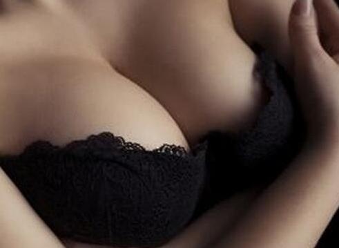 丰胸手术方法