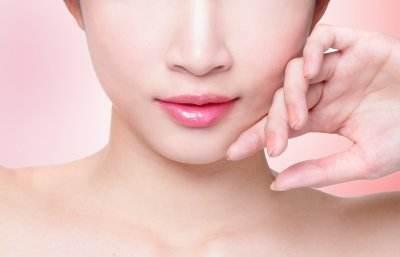 重庆做假体隆鼻修复多少钱