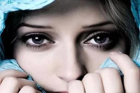 你的黑眼圈真的不只是因为熬夜!