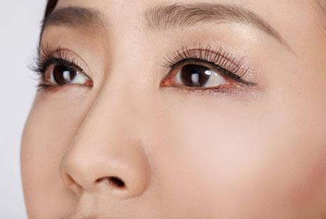 昆明眼袋吸脂手术要多少