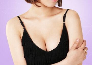 乳房下垂矫正术多少钱?