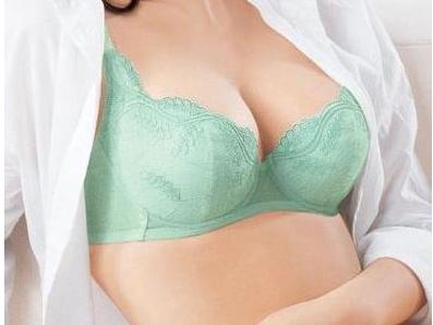 乳房下垂手术需要多少钱